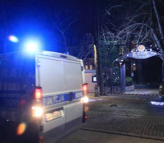 Tragedia we Wrocławiu. Kobieta paliła się na ulicy. Gasili ją przechodnie (ZDJĘCIA)
