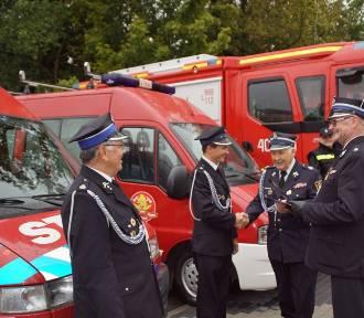 Nowe samochody dla OSP w gminie Drużbice. Strażacy dostali siedem nowych aut