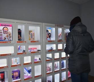 Erotyczny kiosk - samoobsługowe automaty z zabawkami dla dorosłych w Legnicy [ZDJĘCIA]