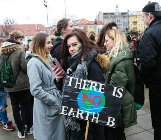 Młodzieżowy Strajk Klimatyczny w Szczecinie. Wagary w obronie ekologii  [ZDJĘCIA, WIDEO]