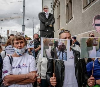 Pikieta mieszkańców Ujeściska przed gdańskim Sądem Okręgowym