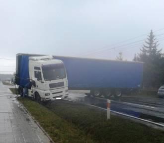 Wypadek w Przygodzicach: Tir wjechał do rowu