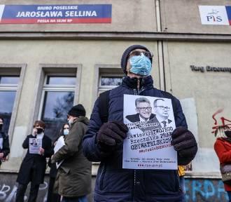 Murem za Bodnarem. Gdańsk reaguje na wyrok Trybunału Konstytucyjnego