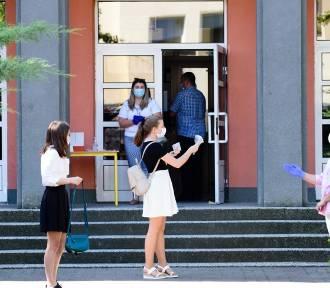 Powrót do szkół we wrześniu. Jest decyzja MEN w sprawie obowiązkowych maseczek na lekcjach