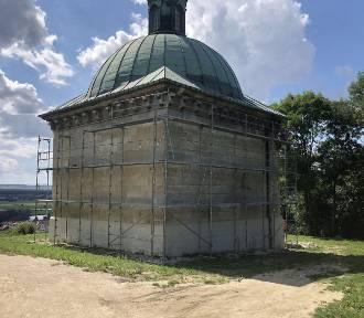 30 tysięcy na zabezpieczenie 400-letnich malowideł w kaplicy Świętej Anny