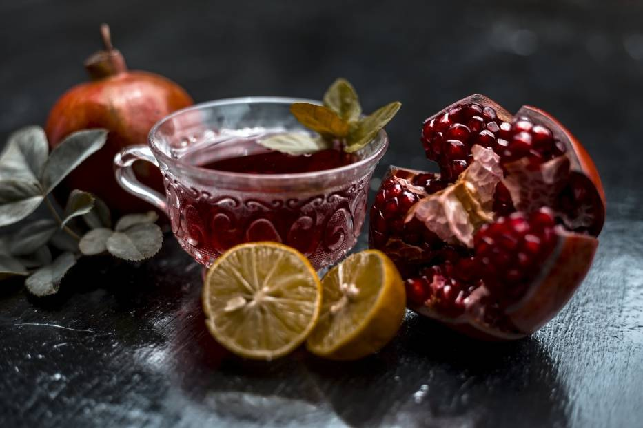 NAPAR Z GRANATUGranat to owoc o niezwykłych właściwościach leczniczych