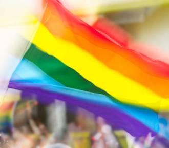 Września: Dziś międzynarodowy Dzień Geja - homoseksualizm w kulturze