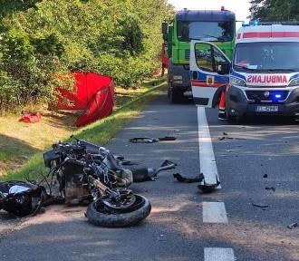 Tragedia w Krasowej (gm. Rusiec). Znane są okoliczności śmierci motocyklisty