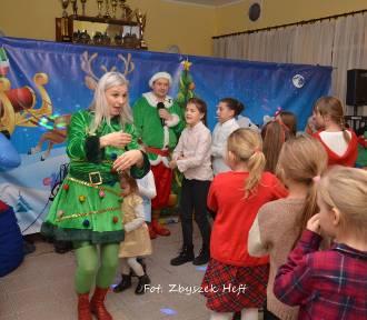 W Karlikowie św. Mikołaj konno przyjechał z wielkim workiem prezentów