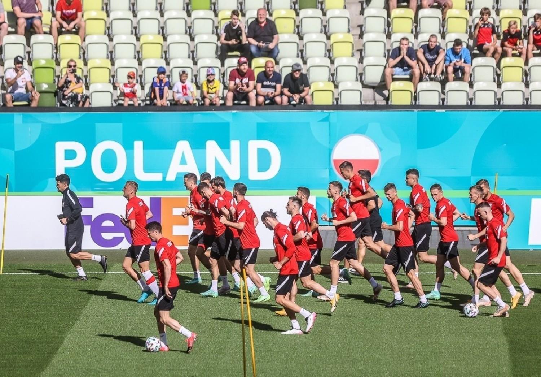 Reprezentacja Polski przygotowuje się do Euro 2020 trenując na stadionie w Gdańsku