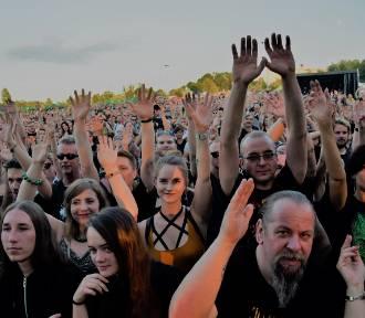 Przystanek Żory 2019: ZOBACZCIE ZDJĘCIA z drugiego dnia festiwalu. Tysiące fanów bawiło się pod
