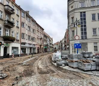 Ulica Zamkowa w Kaliszu zmienia się w woonerf. A co z miejscami parkingowymi?