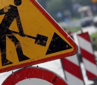 Rozpoczęły się roboty drogowe w Dąbrówce Małej