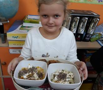 """Szkoła Podstawowa w Strachocinie. """"Dużo wiem, zdrowo jem"""""""