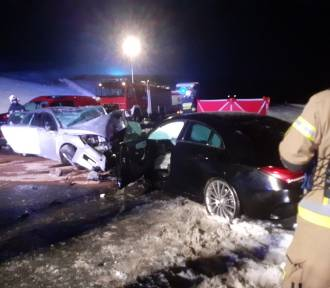 Śmiertelny wypadek na nowej zakopiance. Potworna siła zderzenia luksusowych aut