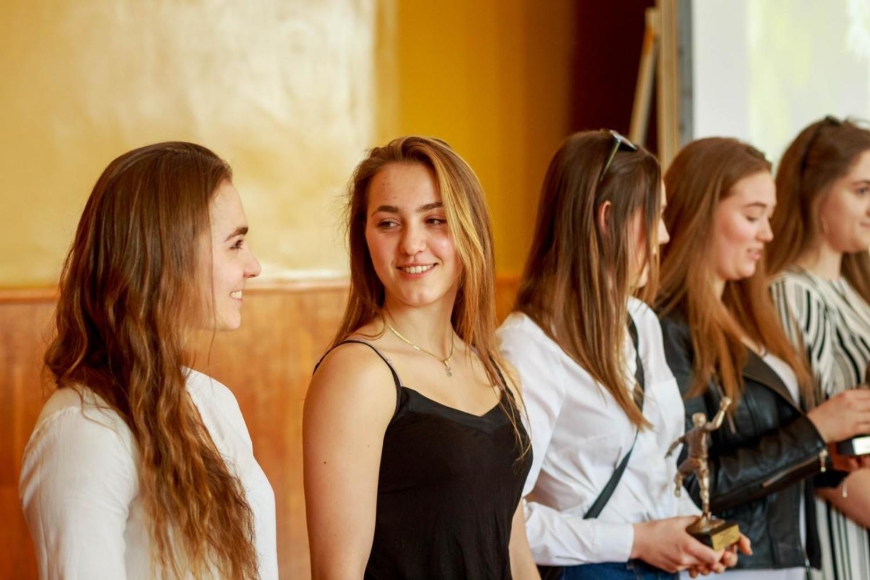 2019-04-26  bialystok maturzysci koniec roku szkolnego viii lo fot wojciech wojtkielewicz kurier poranny / gazeta wspolczesna