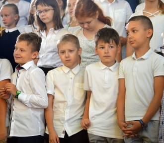 Bełchatów: Rozpoczęcie roku szkolnego w SP nr 12 i SP nr 13 [ZDJĘCIA, WIDEO]