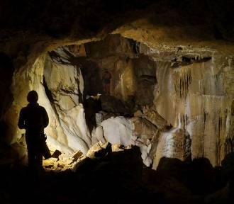 Jaskinia Niedźwiedzia. Zobacz miejsca niedostępne dla turystów. Niesamowite zdjęcia!