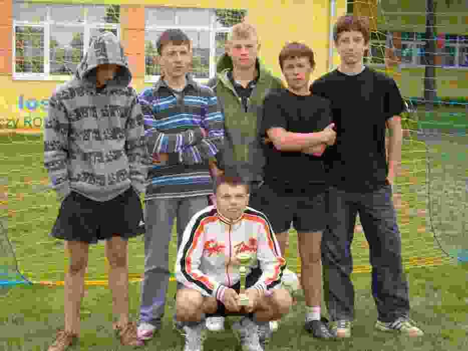 Młodzi sportowcy-amatorzy z Wojciechowa