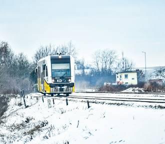 Tragiczny wypadek na przejeździe kolejowym w Żarach. Śmierć poniosła kobieta