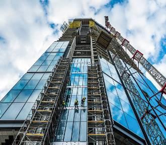 Najwyższy budynek w UE pnie się w górę. Już wygląda spektakularnie