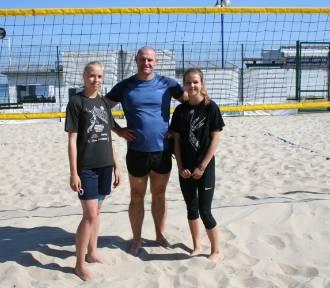 Siatkówka plażowa w Pucku: w półfinale Licealiady najlepsze ekipy I LO Puck i PCKZiU Puck. Niżej