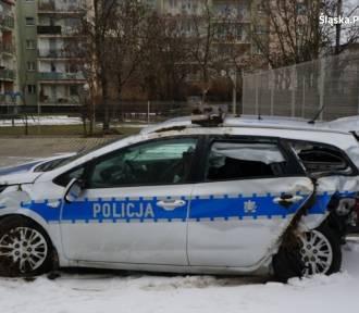 Wypadek w Zabełkowie. Zderzenie osobówki z radiowozem, są ranni