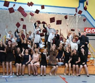 Międzyrzecz: absolwenci pożegnali szkołę. Trzymamy za was kciuki!