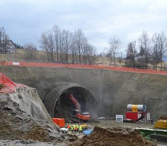 Na budowie ekspresowej zakopianki  rozpoczęły się najtrudniejsze prace