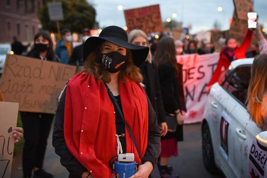 Gliwiccy mundurowi uznali strajk kobiet z 23 listopada za nielegalny, a 19-letnią Wiktorię za jego organizatorkę