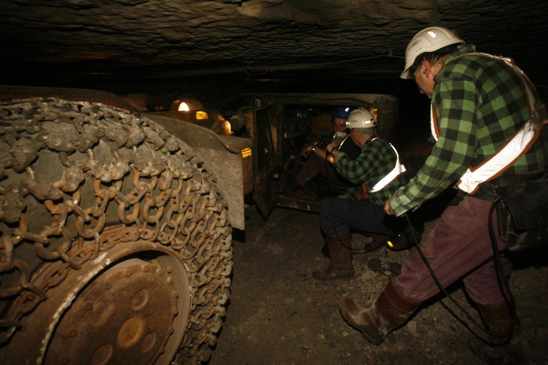Dwóch górników z ZG Rudna rannych na skutek porannego wstrząsu