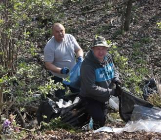 Posprzątaliśmy teren koło cmentarza w Świętym Marku! Będzie monitoring (GALERIA)