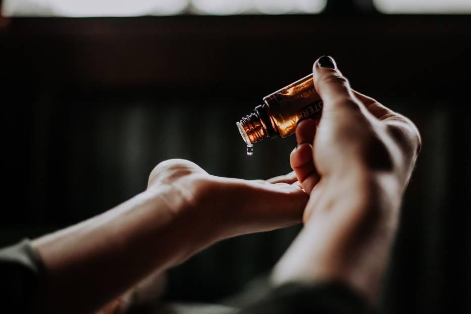 Olejki eteryczne do aromaterapii – który rodzaj działa na co?