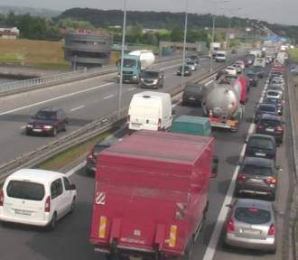 Wypadek na A4. Ponad 9 kilometrowy korek na obwodnicy Krakowa [ZDJĘCIA]