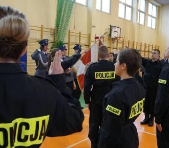 Praca w policji. Kto może zostać policjantem, jak wygląda test sprawnościowy? [ZOBACZCIE FILM]