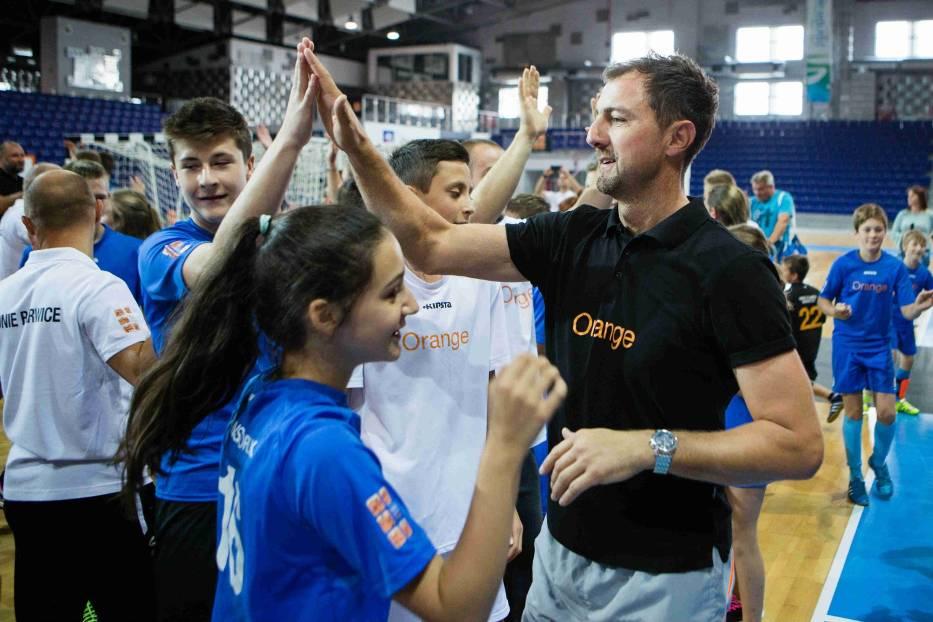 Gwiazdy sportu i młodzi zawodnicy na wspólnym treningu i rozgrywkach – grali jak równy z równym