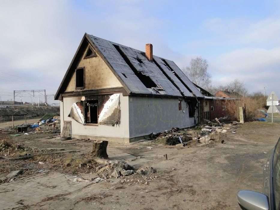 Ktoś podpalił do niedawna zamieszkały, a już opuszczony przez rodzinę dom przy ulicy Żakowickiej