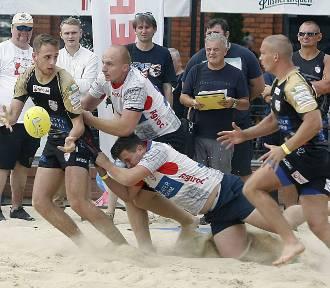 Rugby na plaży Manufaktury [ZDJĘCIA]