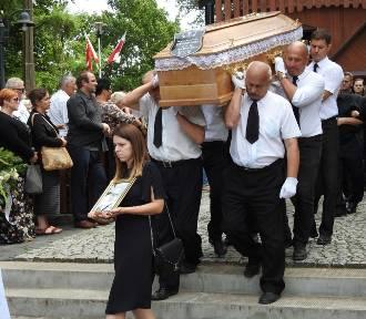 Tysiące osób pożegnało tragicznie zmarłego księdza