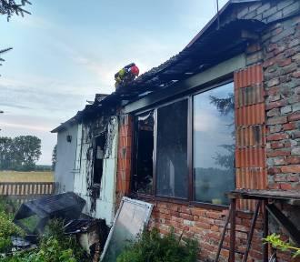 Apel po pożarze w Młodawinie Górnym pod Zduńską Wolą. Trwa zbiórka dla poszkodowanych