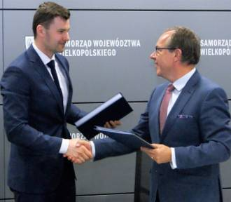 Prawie 900 milionów złotych na rozwój wielkopolskich powiatów i przedsiębiorstw