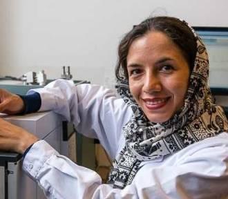 Doktorantka z Iranu prowadzi badania na PG