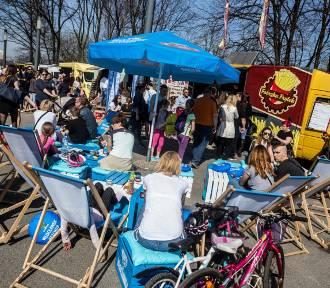 Festiwal Food Trucków i Mistrzostwa Burgerowe. Żarcie na Kółkach ponownie pod PGE Narodowym