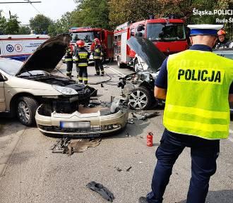 Wypadek na Niedurnego w Rudzie Śląskiej. Zderzyły się dwie osobówki ZDJĘCIA