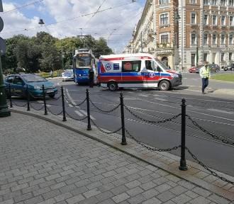 Wypadek na skrzyżowaniu ulic Lubicz i Westerplatte. Tramwaj zderzył się ze skuterem