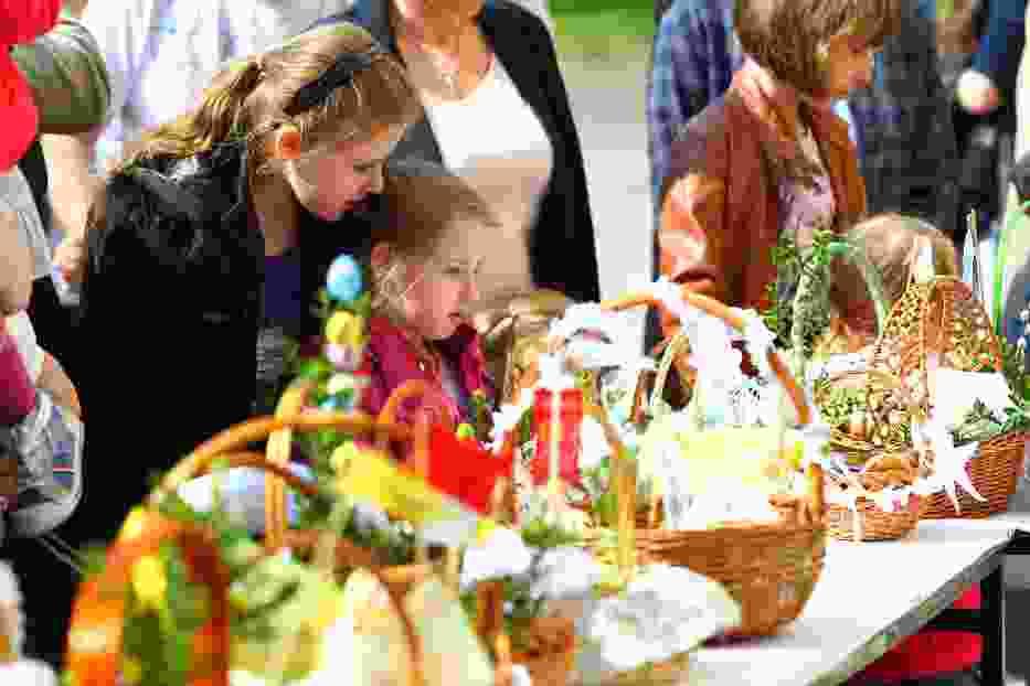 Wielka Sobota w Poznaniu: Wierni święcą pokarmy