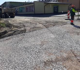 Przebudowa ulicy Opiesińskiej w Zduńskiej Woli. Dojazd do hurtowni od ul. Klonowej
