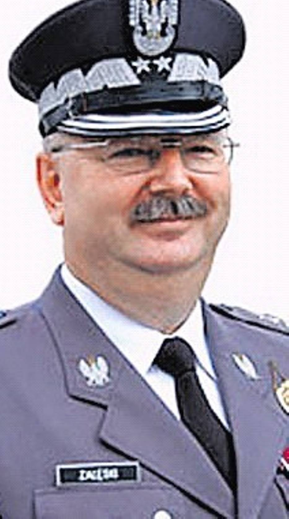 Generał Załęski mówi, że to żona kazała mu odejść