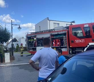 Pięć zastępów straży pożarnej gasiło ogień, którego płomienie widać było z daleka