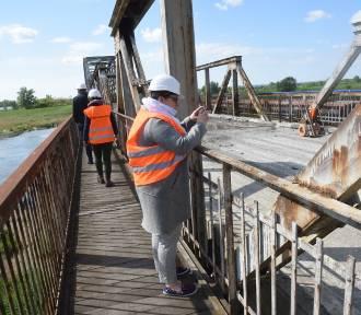 Zobacz, jak przebiegają prace remontowe mostu w Cigacicach!